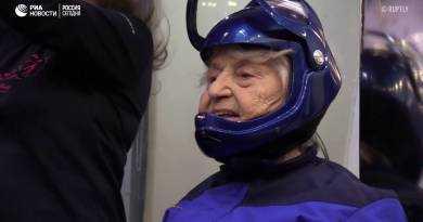 Полет в аэротрубе в 96 лет!